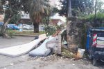 Discarica a cielo aperto a due passi dalla scuola: le foto da piazza Bellissima a Palermo