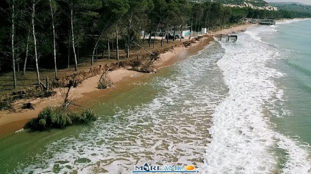 """Drone sulla spiaggia di Eraclea Minoa: le immagini del litorale """"divorato"""" dal mare"""