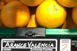 """Arance dello Zimbabwe vendute in un supermercato di Catania, M5S: """"Smacco per la Sicilia"""""""