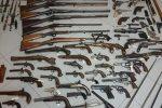 Catania, trovato un arsenale di armi storiche a Borgo Ognina: tre indagati