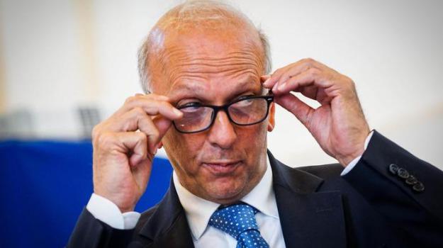prof sospesa palermo, Marco Bussetti, Palermo, Politica