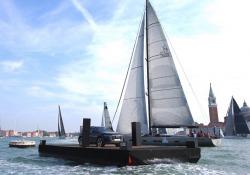 Audi Q8 diventa boa per regata Venice Hospitality Challenge
