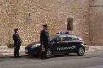 Danneggia un'auto ad Alcamo e aggredisce il proprietario, denunciato un 22enne