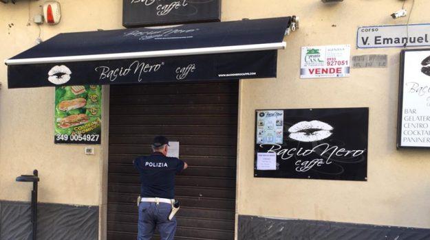 bacio nero Gela, bar Bacio Nero a Gela, sospesa licenza bacio nero, Caltanissetta, Cronaca