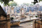 Famiglia di Scicli perseguitata da un piromane, profanata e bruciata anche una tomba