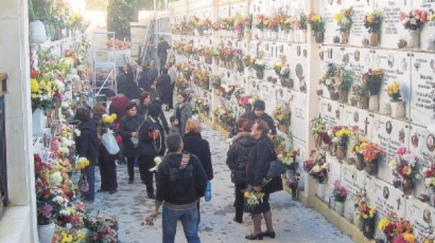 cimitero di Nicosia fondi, emergenza loculi Nicosia, Enna, Cronaca