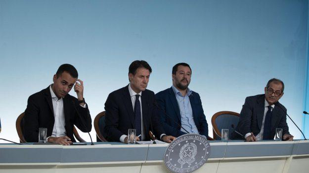 flat tax, manovra, Sicilia, Politica
