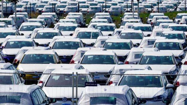 ecotassa auto, Sicilia, Economia