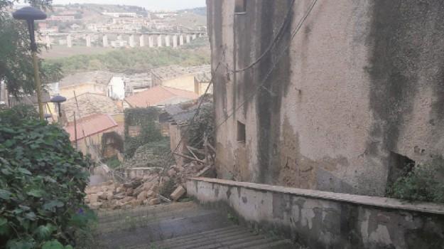 crollo palazzo via Canonico Sorrento, sgombero famiglie Agrigento, Agrigento, Cronaca