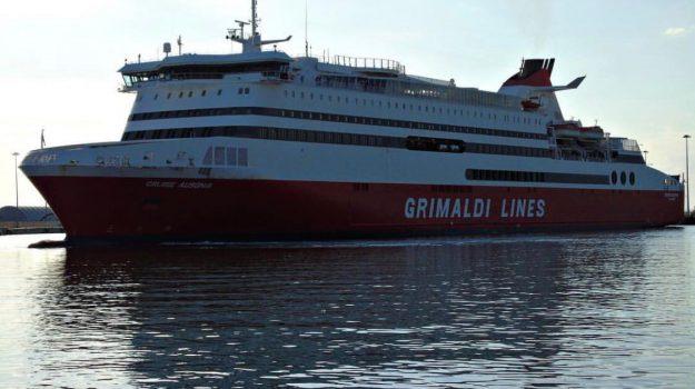 incendio nave grimaldi lines, nave palermo livorno, Palermo, Cronaca