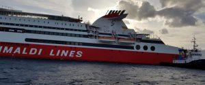 """Rogo sulla nave diretta a Livorno, torna a Palermo """"scortata"""" da quella per Civitavecchia: odissea per 500 persone"""