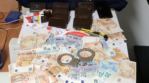 arresto vittoria, Ragusa, Cronaca