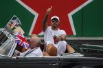 In Messico vince Verstappen, Hamilton come Fangio: campione del mondo per la quinta volta