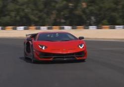 Maurizio Reggiani, direttore tecnico di Lamborghini, ci spiega che cos'è e come funziona la ALA (Aerodinamica Lamborghini Attiva)