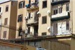Incendio in casa nella notte a Palermo: salvata una donna, morto il suo cane