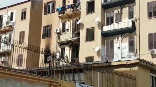 incendio in appartamento a Palermo, Palermo, Cronaca