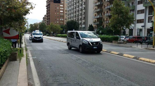 incidente in viale croce rossa a Palermo, incidente pedone Palermo, Palermo, Cronaca