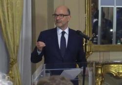 Il commissario spiega il contenuto della dura lettera dell'Ue