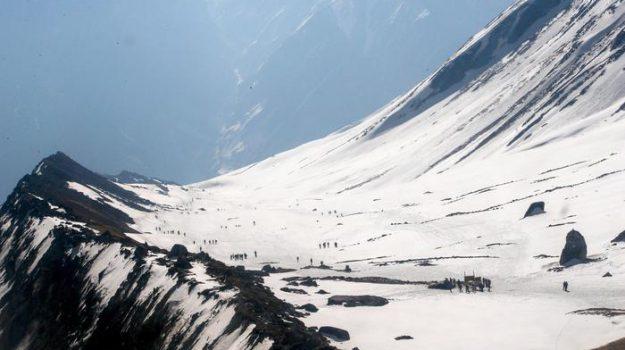 Nepal alpinisti morti, Sicilia, Mondo