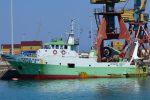 Due pescherecci mazaresi sequestrati dai libici: ansia per i 13 uomini a bordo. Spari contro l'equipaggio