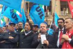 """""""Salva Messina"""": in 500 in piazza contro il piano di De Luca"""