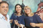 Il vicesindaco di Menfi Ludovico Viviani, il sindaco Marilena Mauceri e l'assessore Nadia Curreri