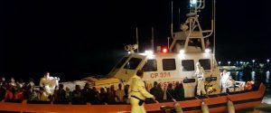 Non si fermano gli sbarchi a Lampedusa: altri 15 migranti arrivati nella notte