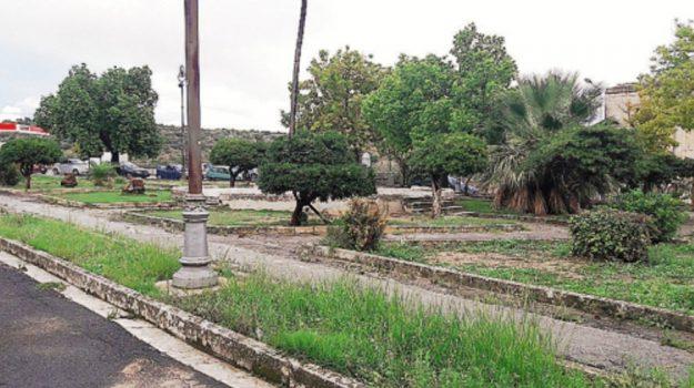 spazi verdi noto, Siracusa, Economia