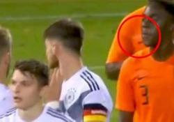 È successo nel match Under 20 tra Olanda e Germania. «È la cosa peggiore che si possa fare ad un avversario»