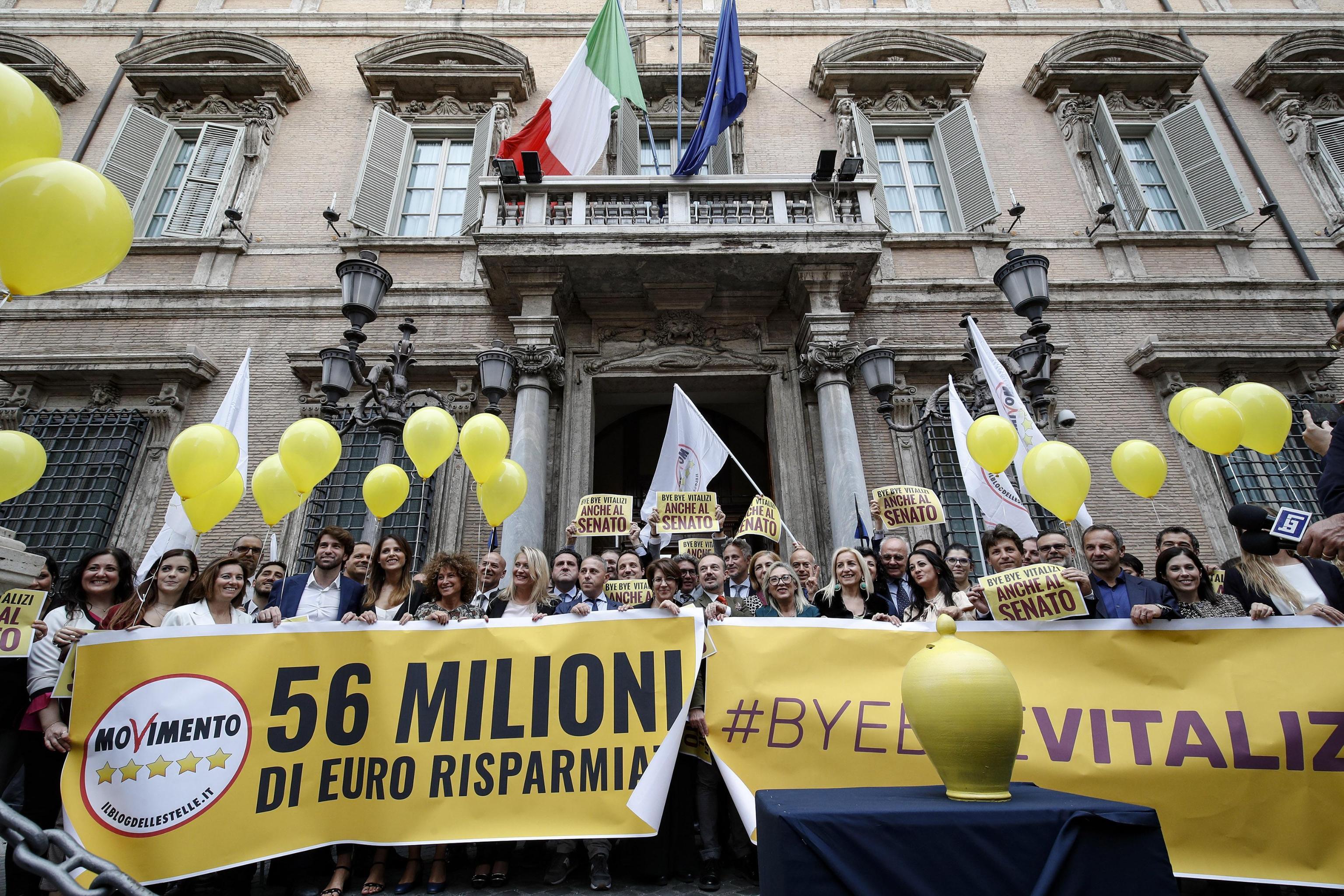 Vitalizi: Vaccaro, basta privilegi, promessa mantenuta
