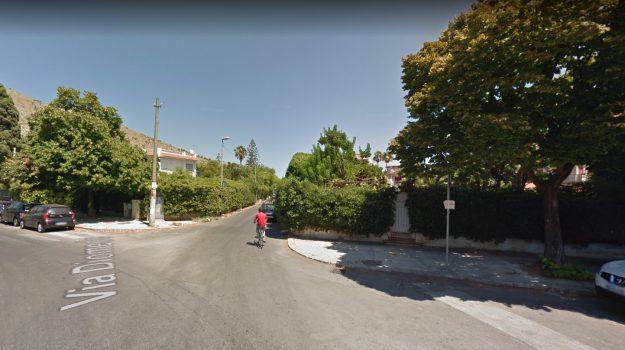 Due incidenti stradali a Palermo: gravissimi un sedicenne e una 82enne