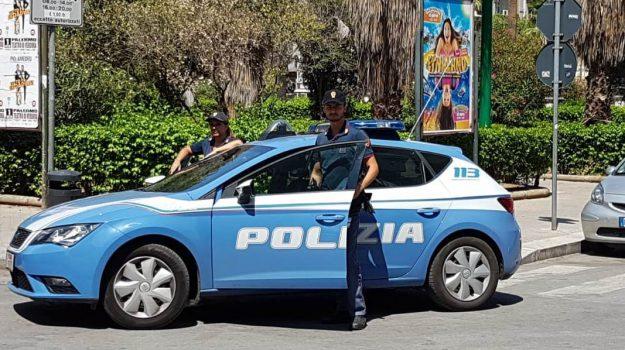 Messina, tenta di rubare uno scooter per tornare a casa: arrestato un minorenne