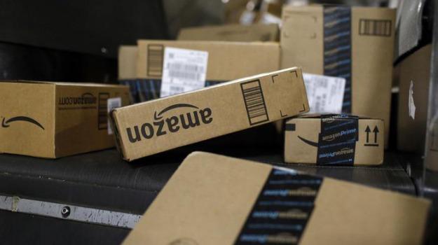 amazon, record vendite Natale Amazon, Sicilia, Società