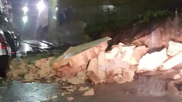 maltempo Solarino, muro scuola crollato Solarino, Siracusa, Cronaca