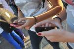 Da Facebook a Snapchat, social fanno aumentare depressione