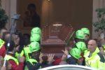 A Palermo l'ultimo saluto al pediatra Giuseppe Liotta: il video dei funerali