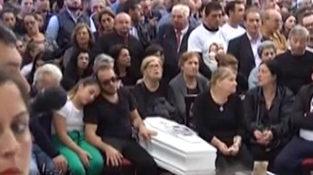 Strage di Casteldaccia, Cattedrale di Palermo gremita per i funerali delle vittime