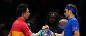 Tennis, sorpresa alle ATP Finals: Federer battuto da Nishikori all'esordio