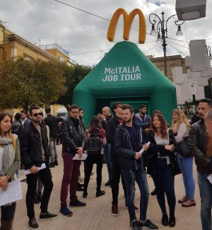 In mille per 30 posti di lavoro per il nuovo McDonald's che aprirà ad Enna