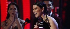 """Laura Pausini trionfa ai Latin Grammy Awards: """"Fatti sentire"""" è il migliore album"""
