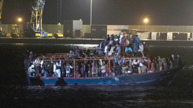 appestata, migranti, ospedale, ragusa sbarco, Ragusa, Cronaca