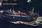 Immigrazione clandestina, blitz della guardia di finanza nel Canale di Sicilia: il video