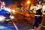 Pugni, schiaffi e mani strette al collo della moglie: arrestato un uomo a Messina
