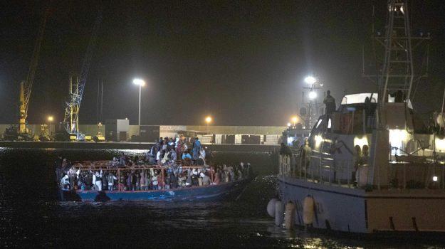 pozzallo, sbarco migranti, Roberto Ammatuna, Sicilia, Cronaca
