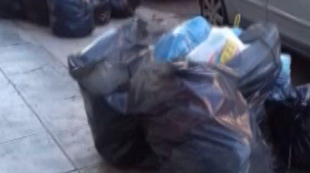 Rifiuti per strada a Palermo: nuove segnalazioni dei cittadini