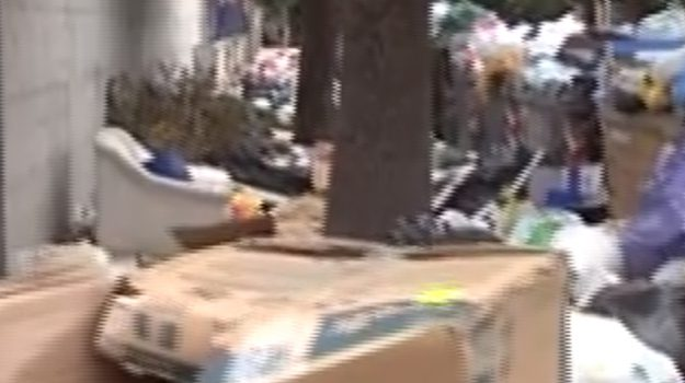 Strade piene di rifiuti a Palermo, è emergenza nelle periferie