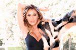 Sabrina Salerno, icona sexy a 50 anni riparte dalla musica: in arrivo il nuovo singolo Voices