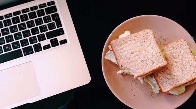 sandwich 300 anni anniversario, Sicilia, Società