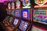 Comiso, 10 slot machine abusive in un bar: sanzioni per 200 mila euro