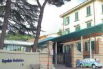 Niente da fare in Italia: la famiglia aveva portato il bimbo anche all'ospedale Meyer di Firenze